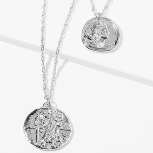 NWT Artistic Engraving Pendant Necklace